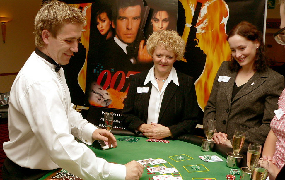 Entertaining at the Blackjack Table during a Corporate James Bond Casino Night